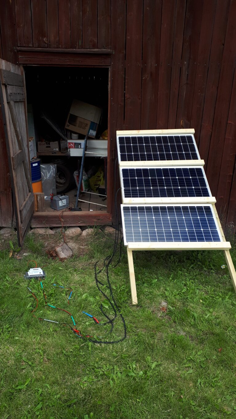 Battery connected to off-grid solar power system