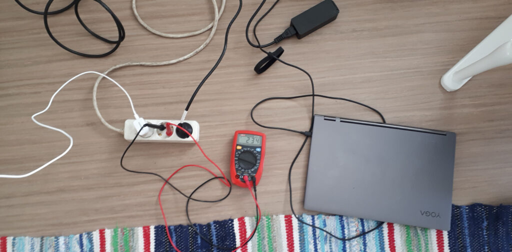 Charging a computer from off-grid solar power